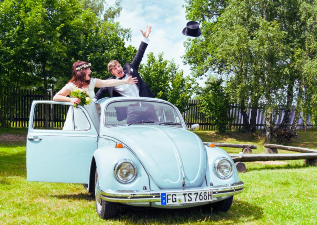 VW-Kaefer-Hochzeitswagen-Besonders-Feiern-Freiberg